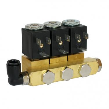 Manifold with 3 seats 1/8 G connections in brass